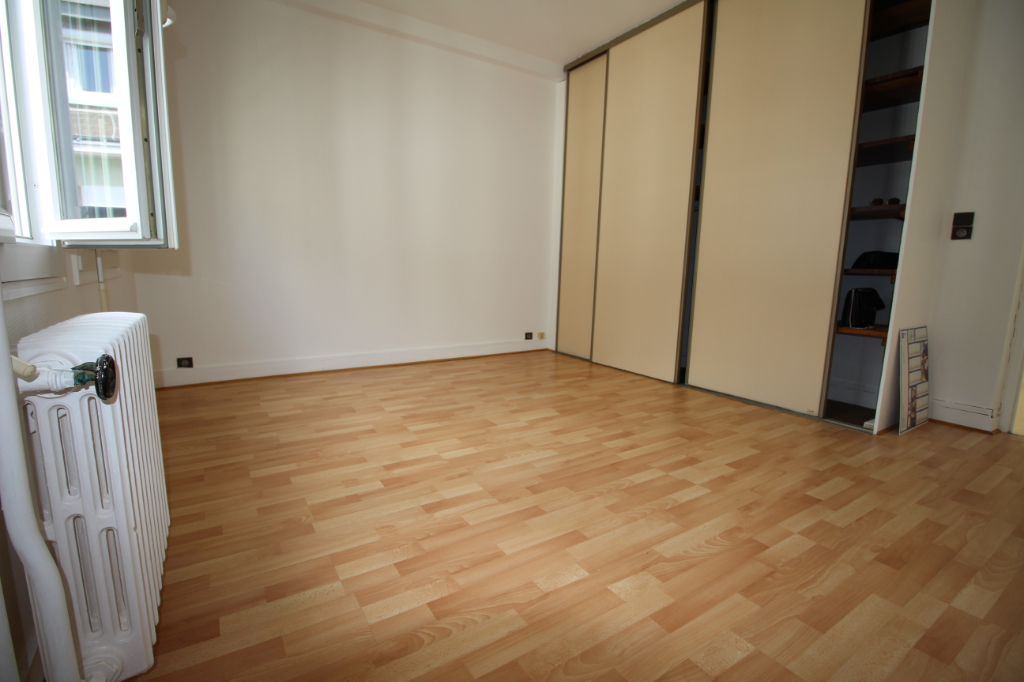 Appartement T2- 40m2- CENTRE VILLE 2/3