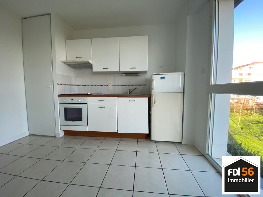 LORIENT - CLINIQUE MUTUALISTE - APPARTEMENT 2CH GARAGE ET BALCON 4/6